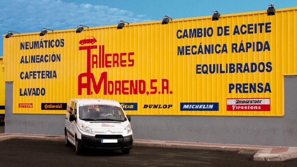 Talleres A. Moreno. Creación y diseño web neumaticosamoreno. Foto retocada de la fachada.